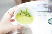 Veloute of Pea, Sauteed Tiger Prawns and Lemon Jelly from Midsummer House was honestly pretty disappointing to me