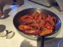 Forgive the bad photography, hands were full of seafood juice!